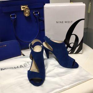 Repost the Nine West shoe